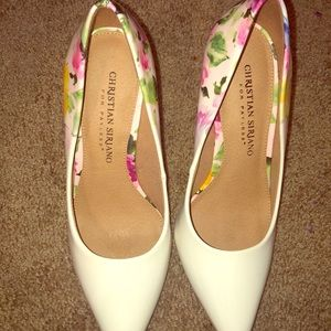 White (flowered) pointed heels